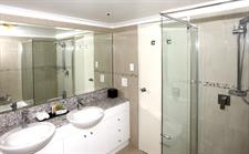 Deluxe Two Bedroom Bathroom