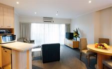 Deluxe One Bedroom Lounge