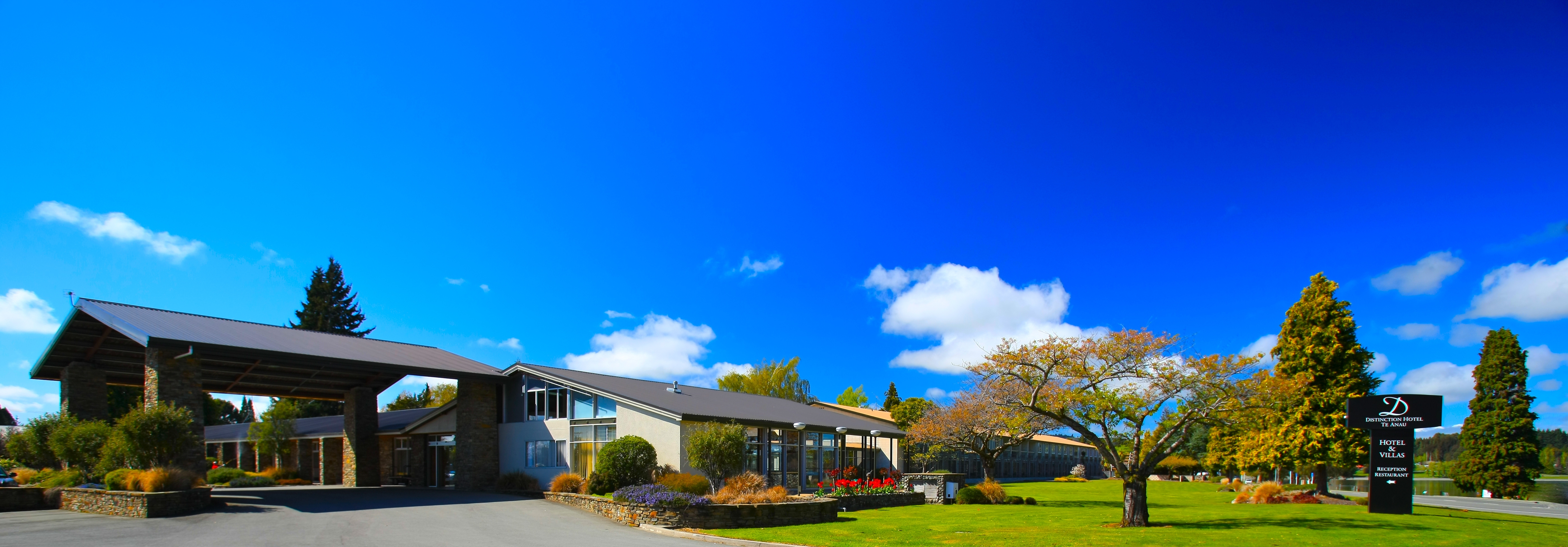 Image gallery for distinction hotels new zealand rotorua for Distinctive villas