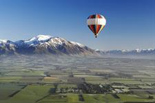 Ballooning over the Canterbury Plains