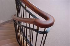 balustrade turning sharp