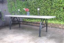 Table: Lincoln/Astro base polished concrete top