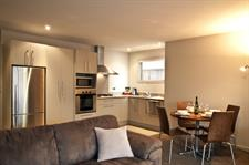 Distinction Wanaka - 2 Bedroom Apartment Kitchen
