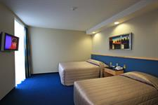 DH Luxmore - Deluxe Accessible Hotel Room R16216