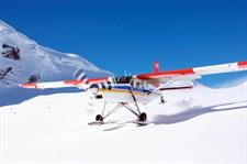 Ski-Plane-take-off-from-Tasman-Glacier