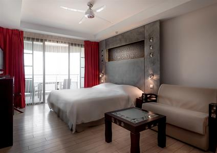 3b - Manava Suites Resort Tahiti - Lagoon Studio w Manava Suites Resort Tahiti