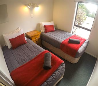 2-Bedroom Motel Bedroom 2
