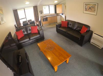 2-Bedroom Motel Living Area Wanaka Top 10
