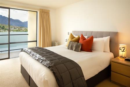 Villa 4 master bedroom Villa del Lago