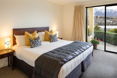 Corner Suite Bedroom 2020 Villa del Lago