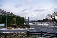 The Park - Entrance Mt. Aspiring Holiday Park
