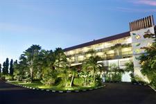 Hotel Facade Swiss-Belhotel Segara