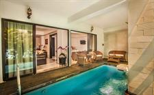 Laguna Suite Pool Access