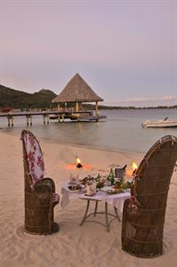 c - dinner-on-the-beach-at-the-intercontinental-bo Intercontinental Le Moana Bora Bora