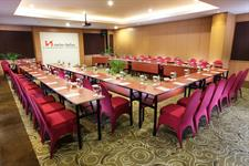 Meeting U-shape Swiss-Belinn Panakkukang Makassar