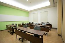 Meeting Room Zest Jemursari, Surabaya