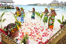 g polynesian-wedding-intercontinental-bora-bora--l
