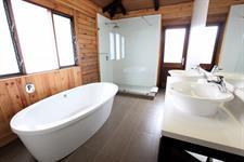Aga Reef Resort - Island Villa Bathroom Aga Reef Resort