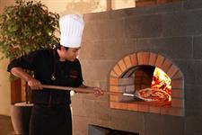 Chef Pizza Swiss-Belinn Panakkukang Makassar