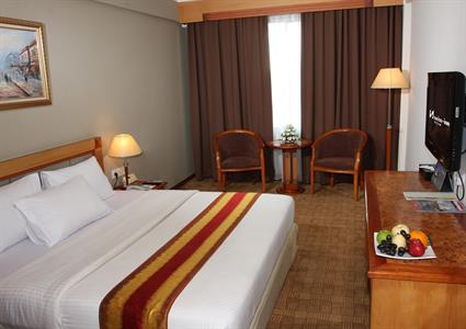 Swiss-Belinn Baloi Batam Superior Room Double Bed
