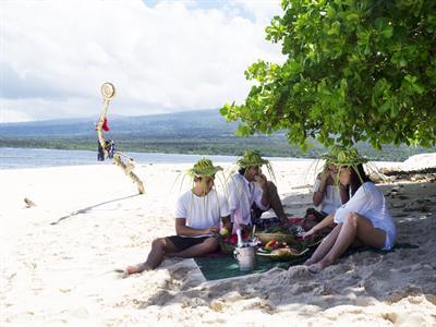 Signature - Hook & Cook Tour Signature Samoa Tours