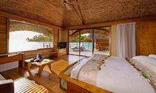 Le Taha'a Island Resort & Spa - Overwater Suite - Bedroom