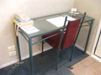 Desk Comfort Inn Academy