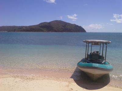 Steens Beach on Hook Island