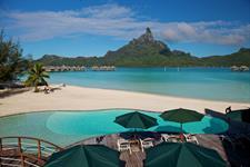 b - Le Meridien Bora Bora - Pool & bar Mt Otemanu Le Meridien Bora Bora