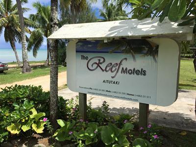The Reef Motel Aitutaki - Sign The Reef Motel Aitutaki