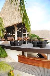 c - Le Meridien Bora Bora - Pool Bar Le Meridien Bora Bora