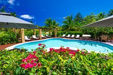 ALPIR - Pool Area & Sunloungers Aitutaki Lagoon Private Island Resort