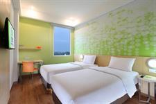 Twin Bedroom Zest Hotel Airport Jakarta