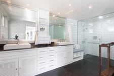 Waterfoot House - Master Suite Bathroom Waterfoot House