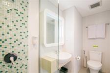 Bathroom Zest Hotel Legian