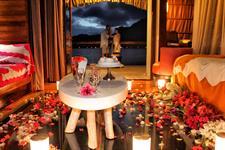 h - Le Meridien Bora Bora - romantic bungalow set- Le Meridien Bora Bora
