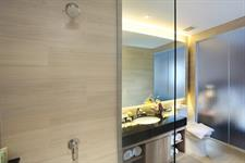 Business Studio Bathroom