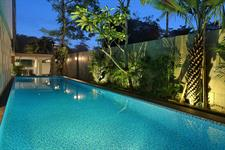 Swimming Pool Swiss-Belinn Simatupang