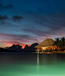 c - Four Seasons Resort Bora Bora - Sunset Restaur