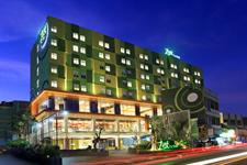 Hotel Facade Zest Sukajadi Bandung