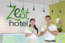 Staff Greetings Zest Hotel Sukajadi Bandung