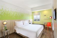 Zest Queen Room Zest Hotel Sukajadi Bandung