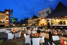 Garden Dining Swiss-Belhotel Silae Palu