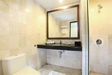 Villa Bathroom Swiss-Belhotel Silae Palu