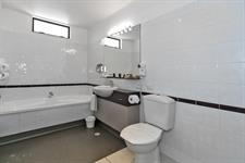 Unit 7 bathroom