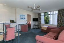 Unit 13 lounge Comfort Inn Academy