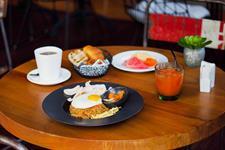 Breakfast Zest Hotel Legian