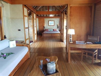 Le Taha'a Island Resort & Spa - Pool Beach Villa - Living Room Le Taha'a Island Resort & Spa