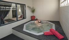 1 Bedroom Apartment Spa pool Sport Of kings