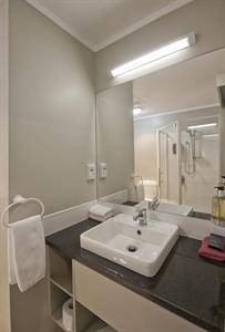 1 Bedroom Spa Apartment Bathroom